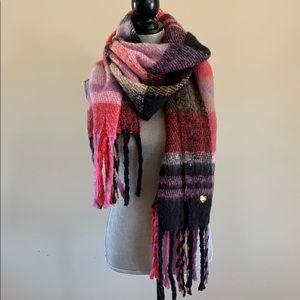 Large cozy Plaid Betsey Johnson scarf